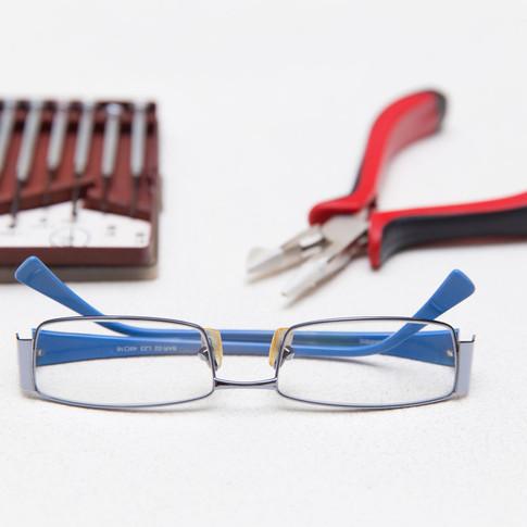 Adjust-Eye-Glasses-Step-14.jpg