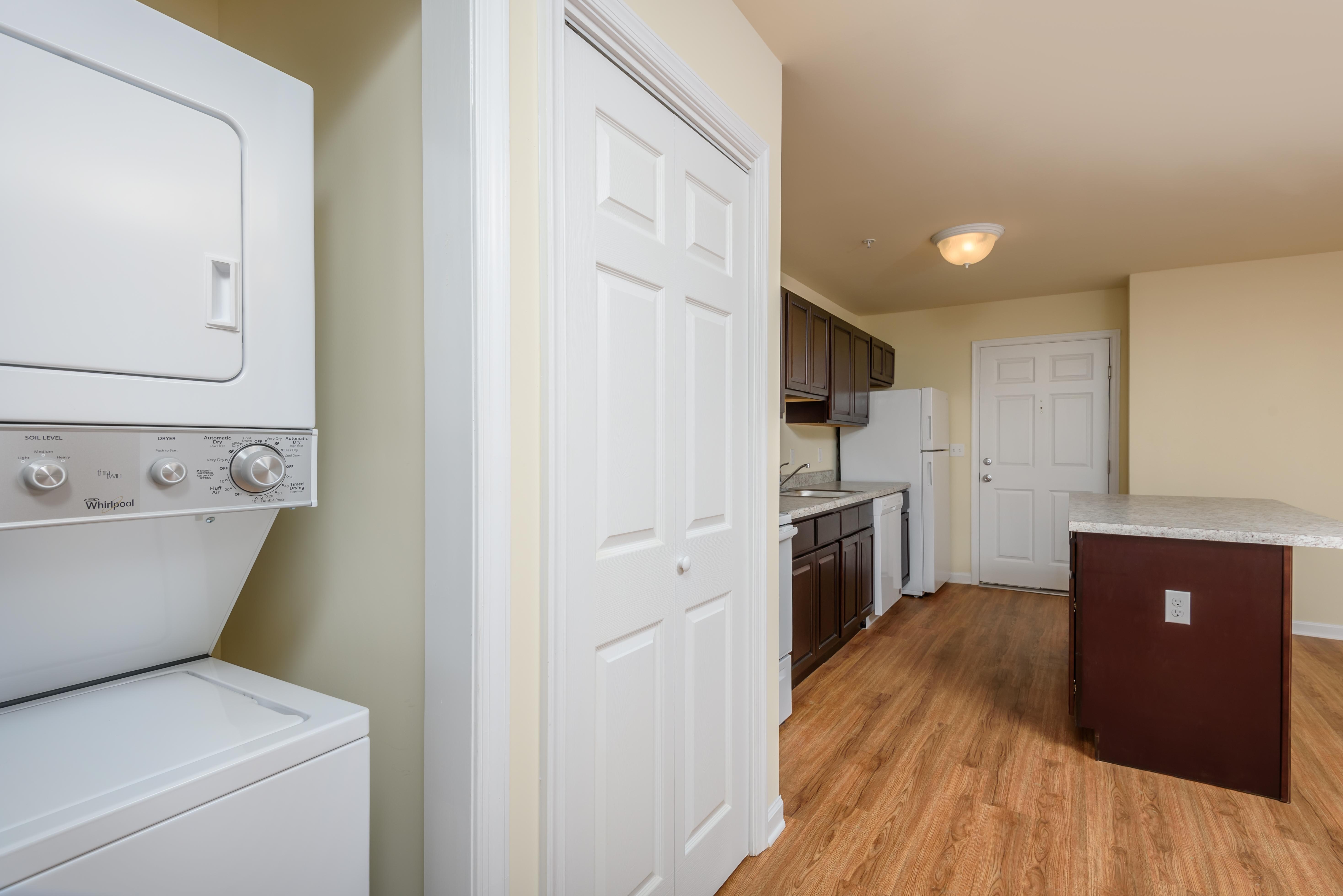 lofts-at-harbor-house-laundry