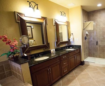 bonet-creek-resorts-presidential-bathroom