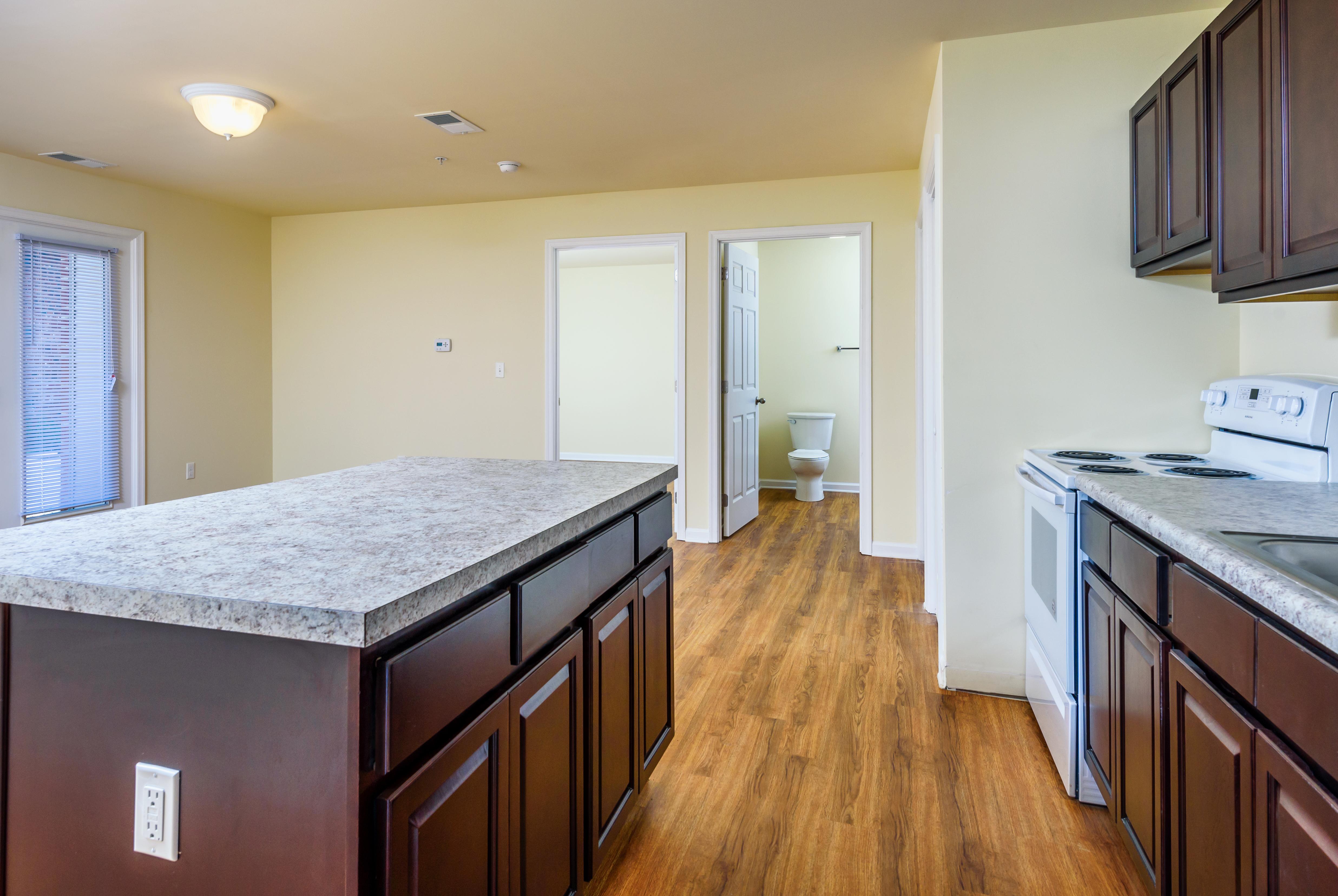 lofts-at-harbor-house-kitchen-island
