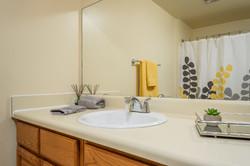 harbor-house-bathroom