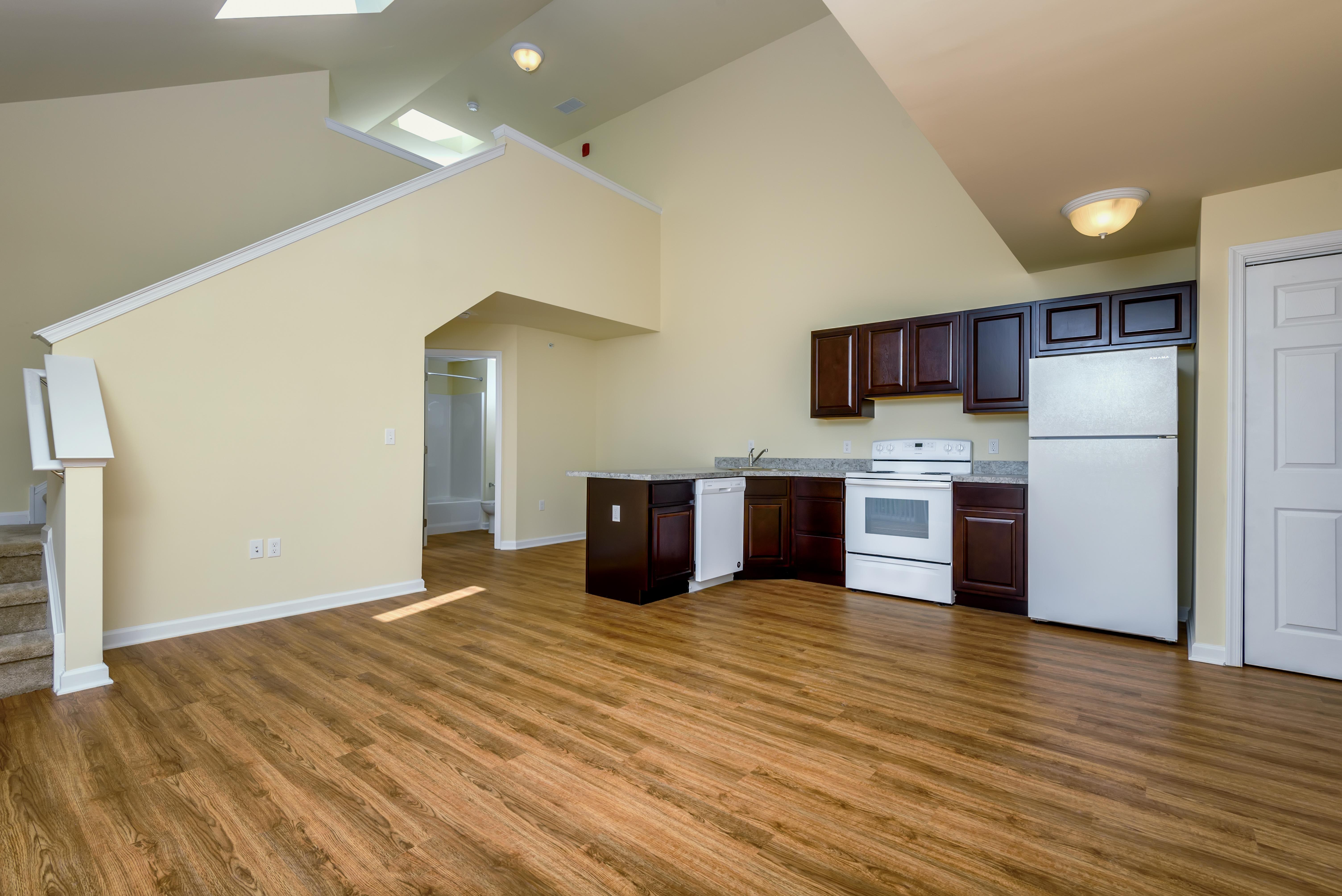 lofts-at-harbor-house-kitchen