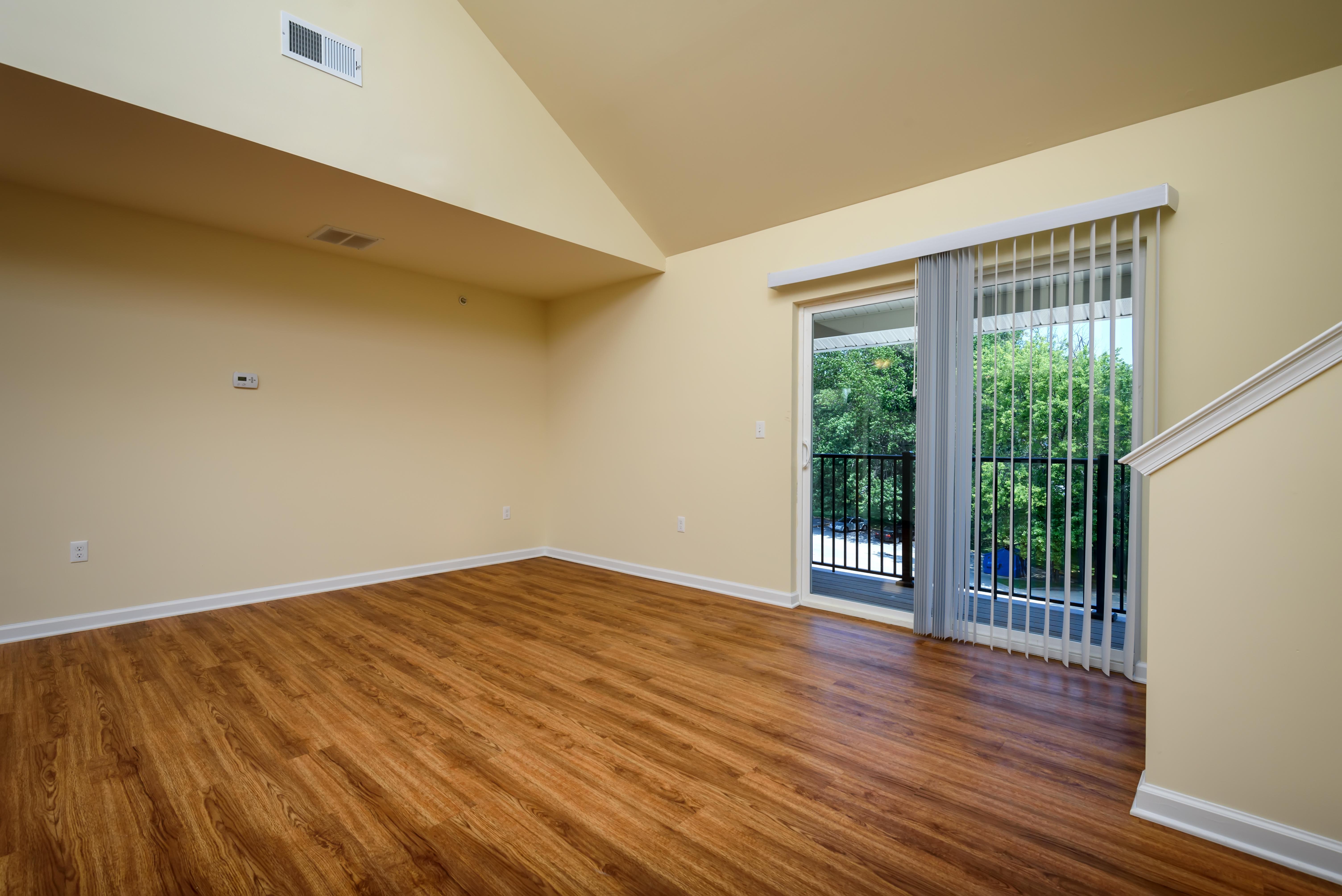 lofts-at-harbor-house-living-room