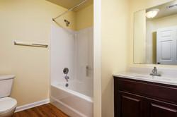 lofts-at-harbor-house-bathroom