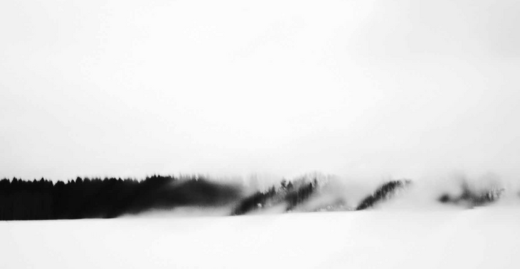 Gao Lei, The space of ecstasy has extended far beyond all the bounds. «Go away, the cold boundary of the view ; come out, the remote reality !» (citation issue de la poétique de l'espace, Gaston Bachelard), 2015, impression pigmentaire, 90 x 136 cm (Ed. 4) et 28,8 x 43,5 cm (Ed.6 )