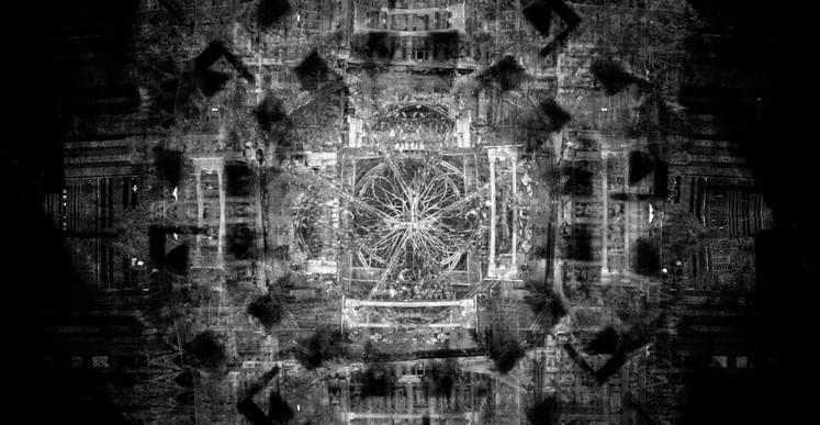 Romuald Martin, Rosace (série Dark Matter), 2017, composition photographique, 100 x 100 cm