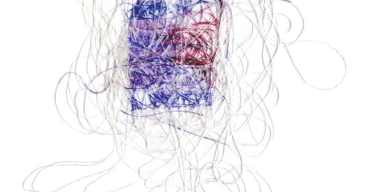 Inès Leroy Galan, Série des Faux-tissages ou Phototissages, 2012, série des photographies Glitches imprimées par sublimation sur fils polyester, 6 x 9 cm