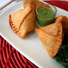 Chicken Samosas (3 Pieces)