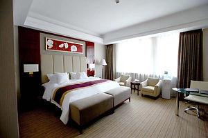 hotelroom2.jpeg
