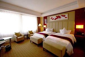 hotelroom1.jpeg