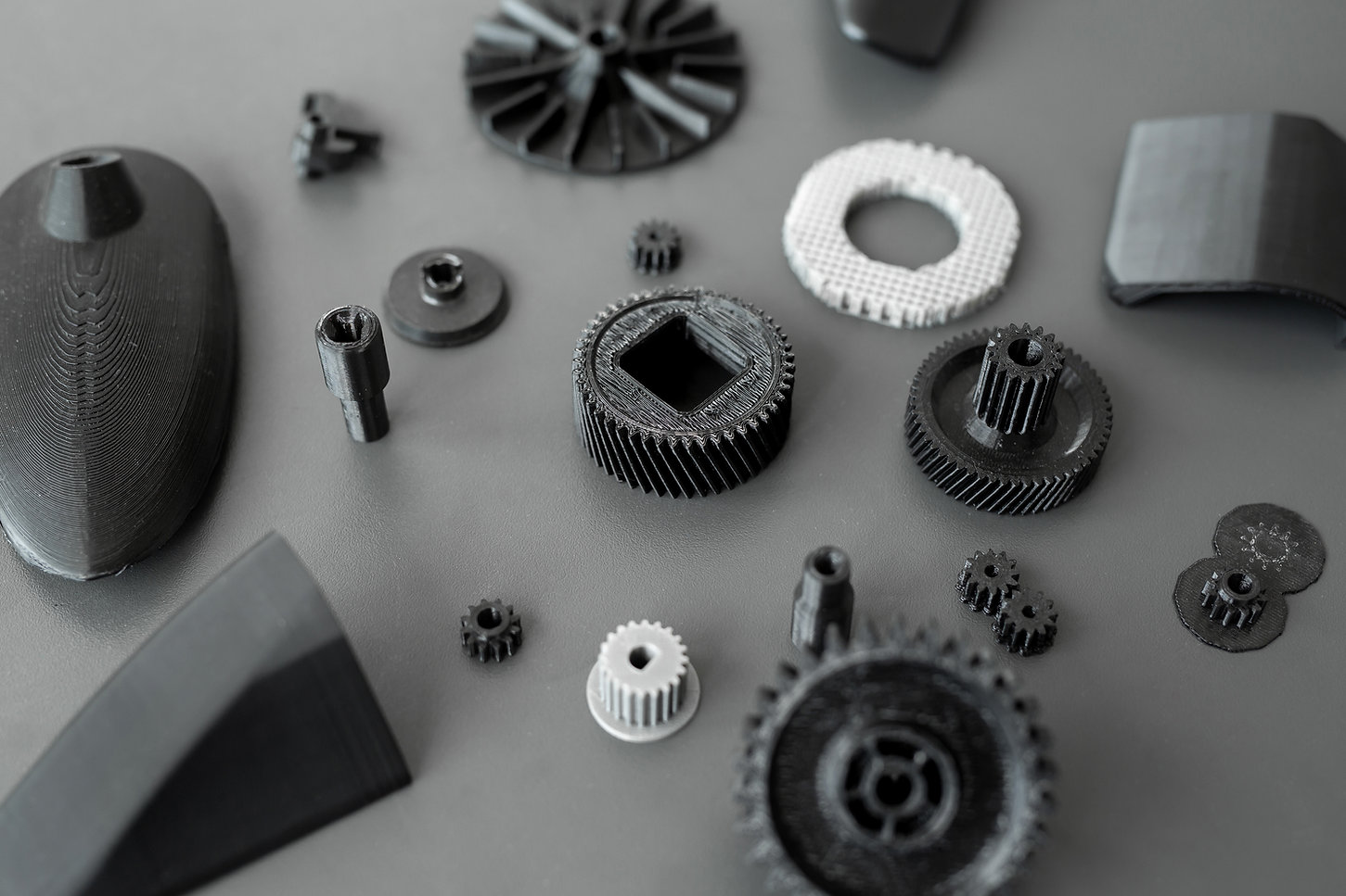 3d printed objects on the table in the laboratory.jpg