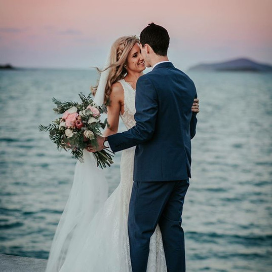A beautiful _earlando_whitsundays weddin