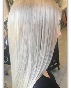 #blondehair #platinumblonde #silverhair