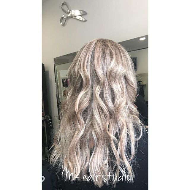 Hair done by Gosia #waveshair  #greyhair