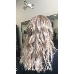 Hair done by Gosia #waveshair  #greyhair
