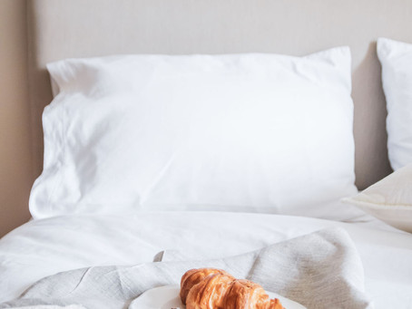 How to Prepare a Guest Bedroom | 5 Warm and Inviting Tips