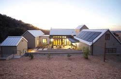 modern-farmhouse-solar