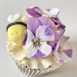 Cupcakes (Flowers will vary!)