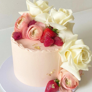 """6"""" Blush Edith with Berries"""