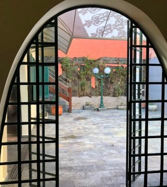 Porta de acesso ao pátio interno