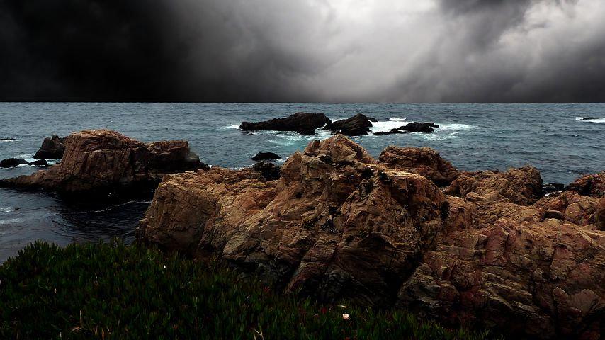 ocean-4374897__480.jpg