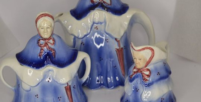 "Tony Woods ""Little Old Lady"" Teapot, Sugar + Milk. Staffordshire, England"