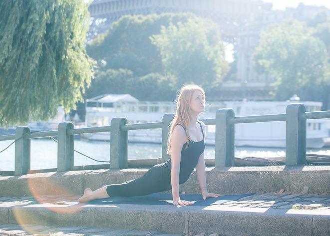 Ellen McQueen, yoga teacher in Paris