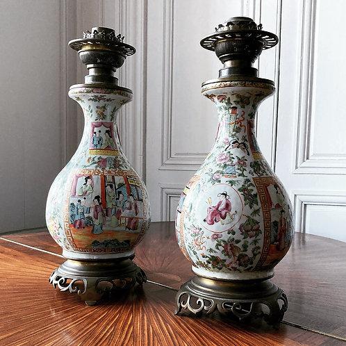Paire de lampes en porcelaine de Canton XIXe siècle