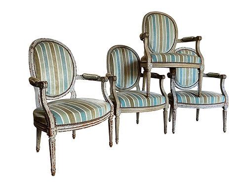 Quatre fauteuils Louis XVI du XVIIIe siècle