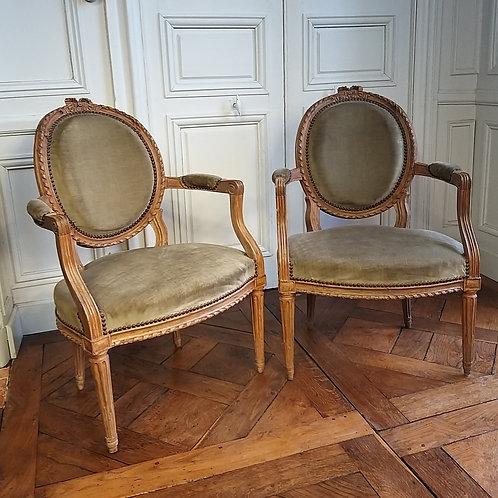 Paire de fauteuils époque Louis XVI XVIIIe siècle