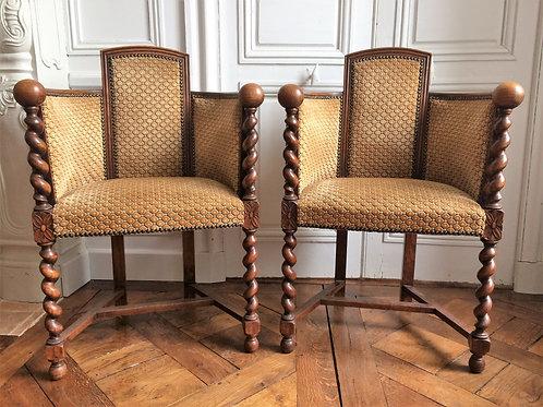 Paire de fauteuils caquetoire époque XIXe siècle