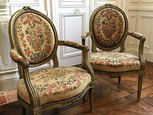 Paire de fauteuils époque Louis XVI château XVIIIe siècle