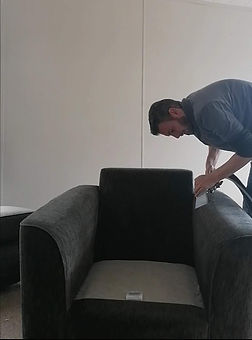 Armchair_cleaning_by_excel_carpet_clean