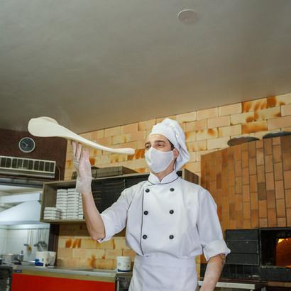Nosso Pizzaiolo Régis fazendo seus malabares