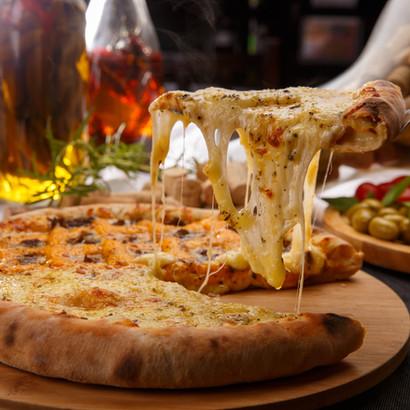 Um Pouco de Queijo na Pizza de 4 Queijos