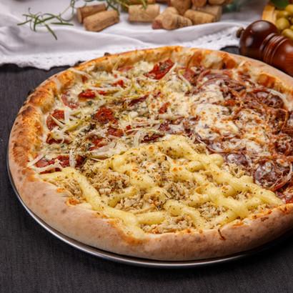 A Nossa Famosa Pizza de Costela, Trentina e Frango com Catupiry
