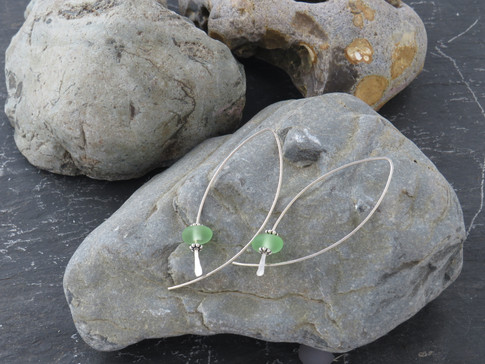 Long shaped wire with British sea glass detail