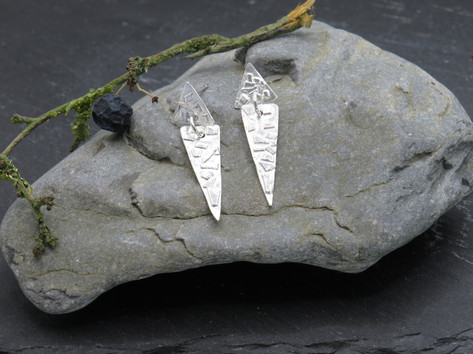 Double triangle stud and dangle