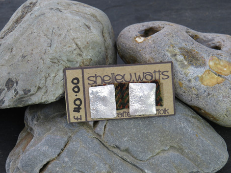 Large square reticulated studs