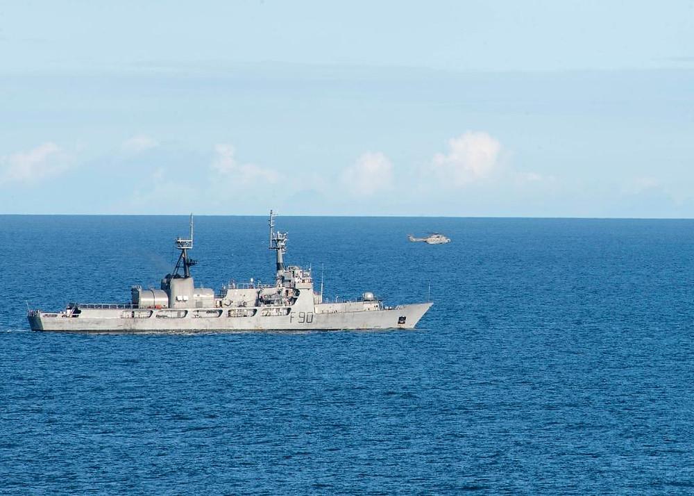 NNS Thunder (F90) da Marinha da Nigéria