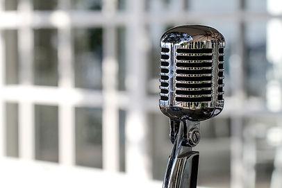 microphone-5340340_1920_edited.jpg