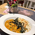 Curry de Salmão c/ arroz de coco e alga - (com sobremesa)