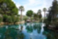 世界遺産パムッカレの頂上に残るエラポリスのアンティークプール温泉