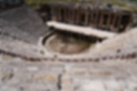 世界遺産パムッカレの頂上に残る古代ローマ都市 ヒエラポリスの劇場跡