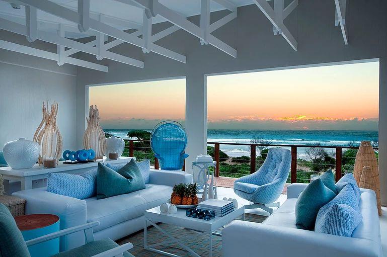 Pool lounge - location for high-tea