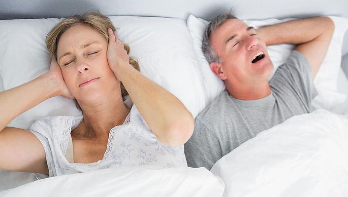 snoring-couple-880x500-wyza-com-au.jpg