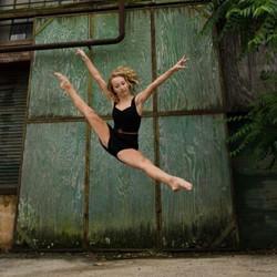 lauren jump.jpg