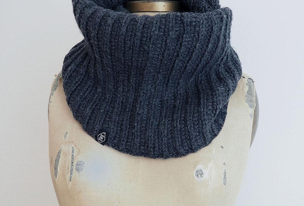 Col cannelé infini tricoté par Madeleine