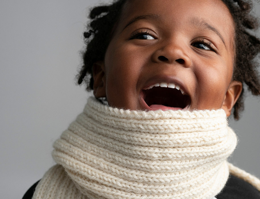 Foulard côtes simples tricoté par Lily