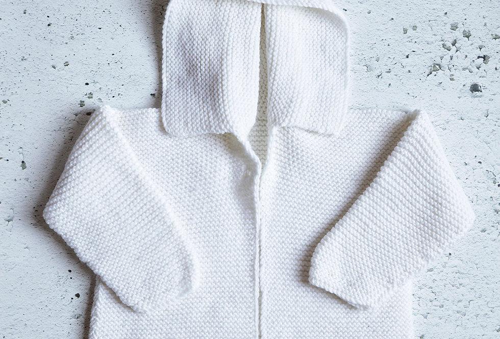 Pull à capuchon tricoté par Aline